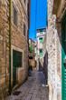 Kleine Gassen in der Altstadt von Stari Grad auf der Insel Hvar in Kroatien
