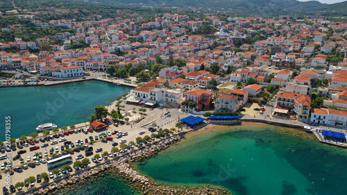 Poster Cote Aerial drone photo of iconic medieval castle and village of Pylos or Pilos in the heart of Messinia prefecture, Peloponnese, Greece