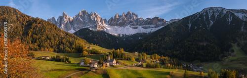 Village Santa Maddalena in Dolomites Fototapet