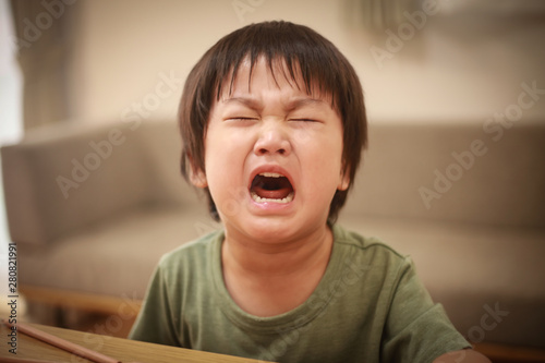 Fotografie, Obraz  泣く男の子