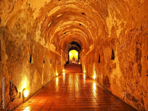 Keuken foto achterwand Oude gebouw Stone Buddha image in the canal decorated with light.