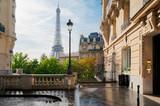 Fototapeta Paryż - eiffel tour and Paris street
