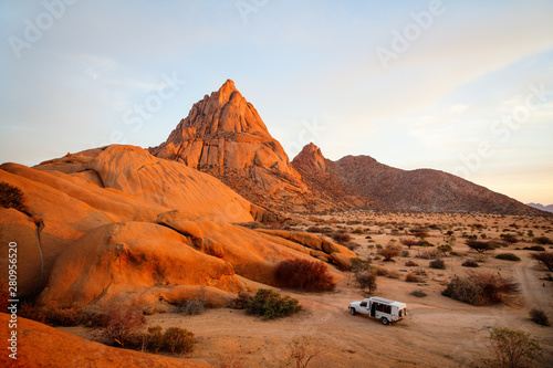 Photo sur Toile Orange eclat Sunset at Spitzkoppe Namibia