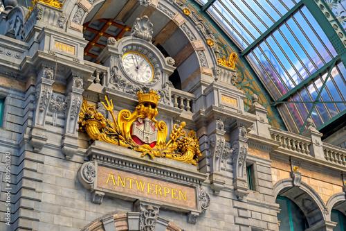 Staande foto Antwerpen The interior of the Antwerp (Antwerpen), Belgium railway station.
