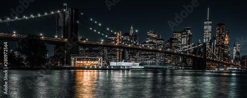 Fototapeta  Brooklyn Bridge twenty second long exposure