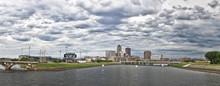 Des Moines Skyline Accros Des ...