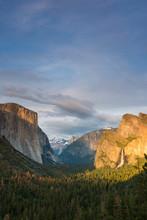 Tunnel View, Yosemite National...