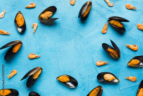 Photo  Flat-lay boiled mussels with copyspace