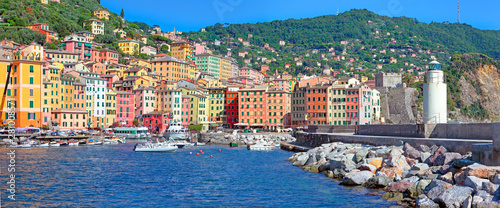 Photographie  Camogli, panoramic view of the harbor with its colorful houses, Liguria, Italy