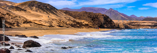 Photo  Impressive  unspoiled beaches of Fuerteventura