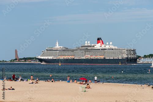 Photo  Sommer an der Kieler Förde, am Falckenstener Strand der engsten Stelle der Kiele