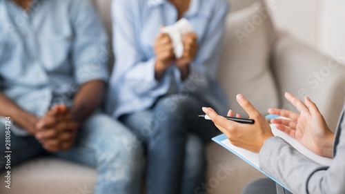 Fotografía  Marriage Therapist Giving Advice To Young African American Husband And Wife