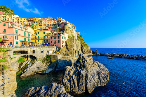 Photographie  Colorful houses in Manarola Village in Cinque Terre National Park