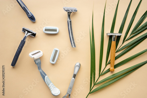 ecological lifestyle concept. plastic and eco- friendly razor s Billede på lærred