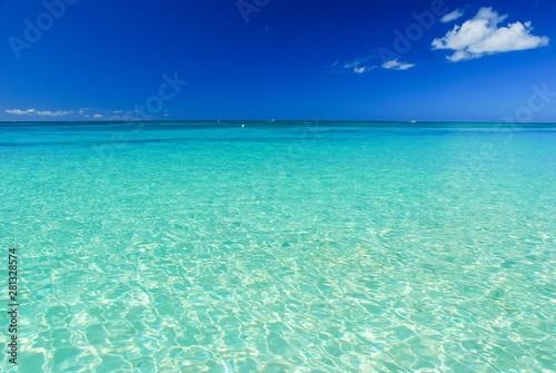 Montage in der Fensternische Reef grun karibische Stille