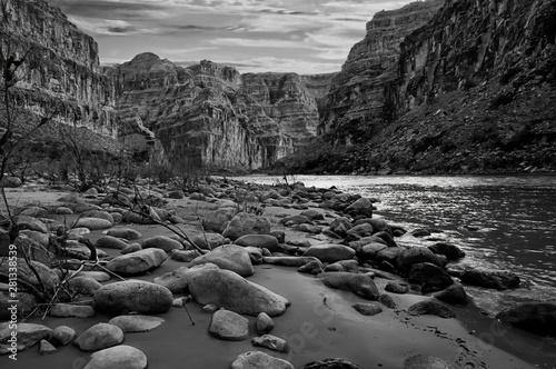 Foto auf Leinwand Dunkelgrau Black and white photo of the Grand Canyon, Arizona.