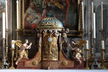 Tabernacle in the Saint Joh...
