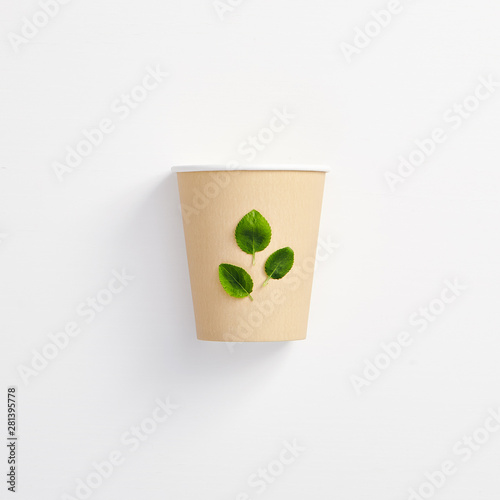 Photo sur Toile Les Textures Creative Organic Herbal Eco Drink Concept with Green Leaves