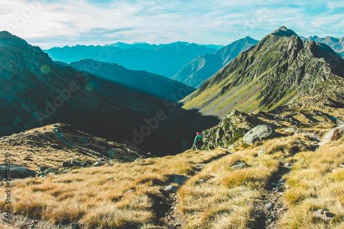 La pose en embrasure Kaki Couché de soleil dans les Pyrénées