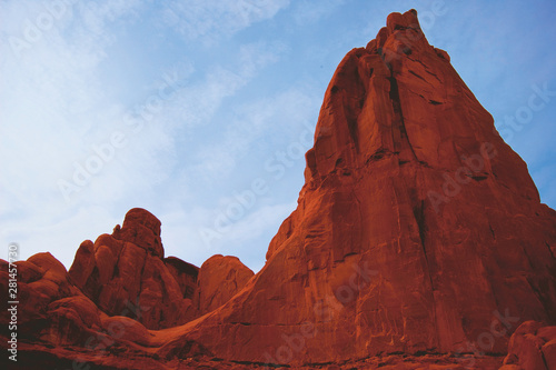 Deurstickers Baksteen Red Rocks against blue skies
