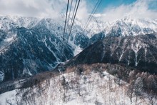 Shinhotaka Ropeway, Cable Car Station, Takayama Gifu, Japan. Allows Visitors To Take In Spectacular Views As The Crystal-clear Blue Sky In A Grand Panoramic View Of The Northern Japan Alps. In Winter