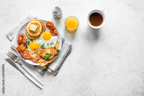 Photo Full American Breakfast