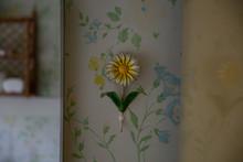 Vintage Flower Hook