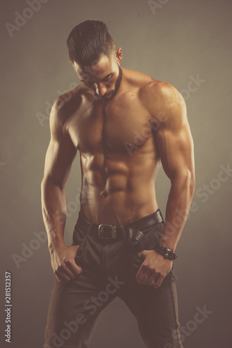 Fotografía Handsome Shirtless Male Fashion Model