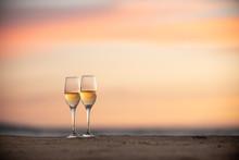 夕暮れのワイングラス