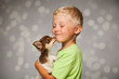 canvas print picture - mit dem Hund schmusen