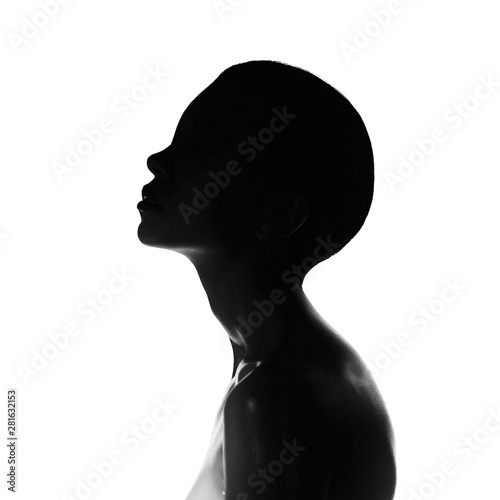 La pose en embrasure womenART Surrealistic young lady with shadow on her body