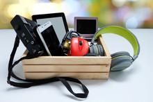 Many Used Modern Electronic Ga...