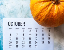 October 2019 Calendar With Pum...