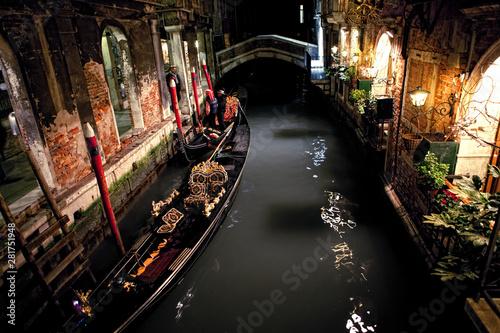 Stickers pour portes Venise boat in Venezia