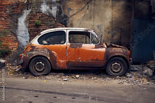 Photo sur Toile Vintage voitures Old Abandoned vintage car wreck