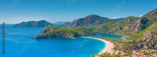 Fototapeta premium Plaża, morze i laguna w Oludeniz, Turcja