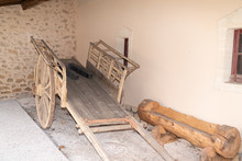 Vintage Horse Wooden Cart In O...