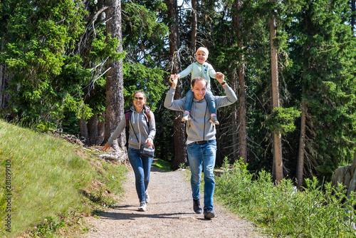 Photo Family Walking Hiking Trail