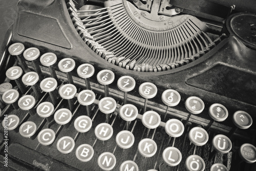 Fototapety, obrazy: Closeup of old typewriter
