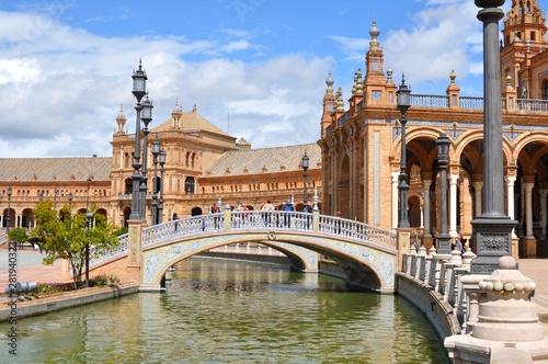 Puentes en la Plaza de España, Sevilla