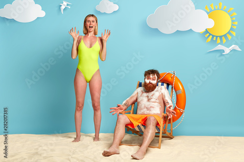 Leinwand Poster Summer rest and body sun protection