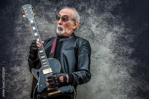 Obraz na plátně  Eccentric senior man portrait