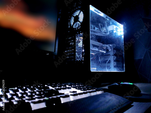 white rgb battle station rendering gaming pc led case and mechanical keyboard Fototapet