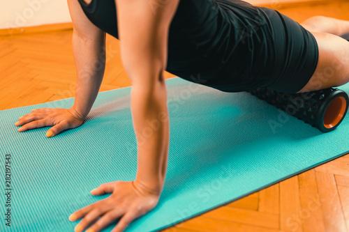 plakat Foam Roller Quadriceps Massage