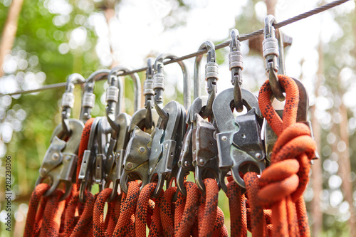 Recess Fitting India Ropes and snap hooks for safety