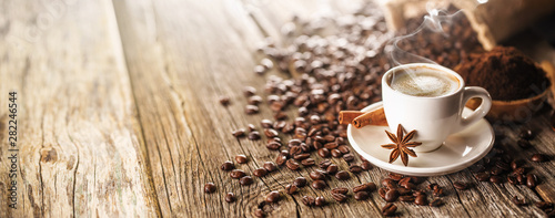 Photo sur Toile Café en grains Morning Coffee Cup With Beans