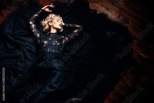 Valokuva  stunning young blonde