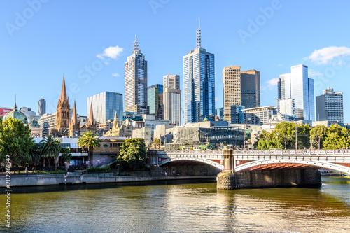 Fototapeta premium Most książęcy i panoramę Melbourne w Melbourne, Victoria w Australii