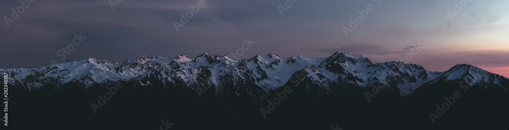 Fototapety, obrazy: Panorama of Olympic Mountain Range at Sunset
