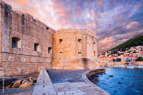 Poster de jardin Europe Méditérranéenne the Fortress of St. John (Mulo tower) - fortress controlling and protecting the entrance of the port of Dubrovnik. Croatia..